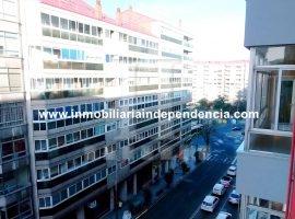 Piso de 3 dormitorios con garaje en c/ Coruña