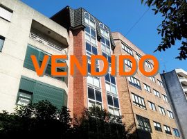 Piso de 2 dormitorios con garaje cerca de Plaza América