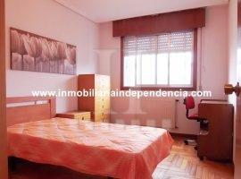 Piso de 3 dormitorios con garaje en Martínez Garrido