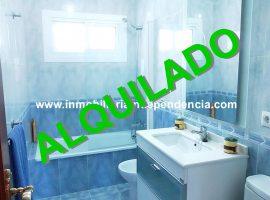 Piso de 4 dormitorios en Torrecedeira para estudiantes