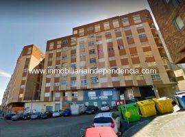 Piso de 2 dormitorios con garaje en zona Travesía de Vigo