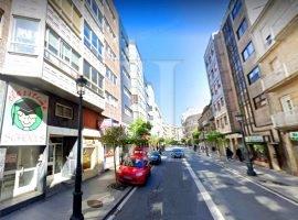 Piso de 2 dormitorios con garaje en Pi y Margall