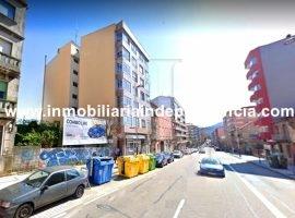 Piso de 180 m2 con gran terraza en Castrelos