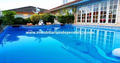 Casa de 370 m2 en Chapela con vistas al mar