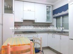 Piso de 2 dormitorios amueblado en c/ Barcelona