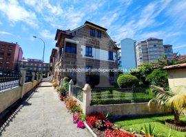 Casa con parcela en zona Castrelos
